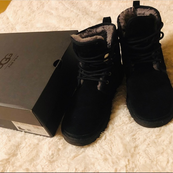 20076ab5814 UGG boots size 11